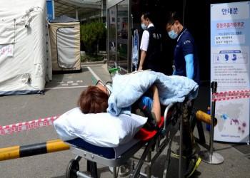 وفاة أول طبيب يعالج مصابي كورونا بالصين