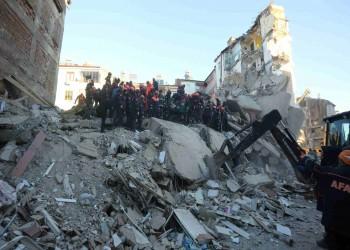 تميم يعزي أردوغان في ضحايا الزلزال