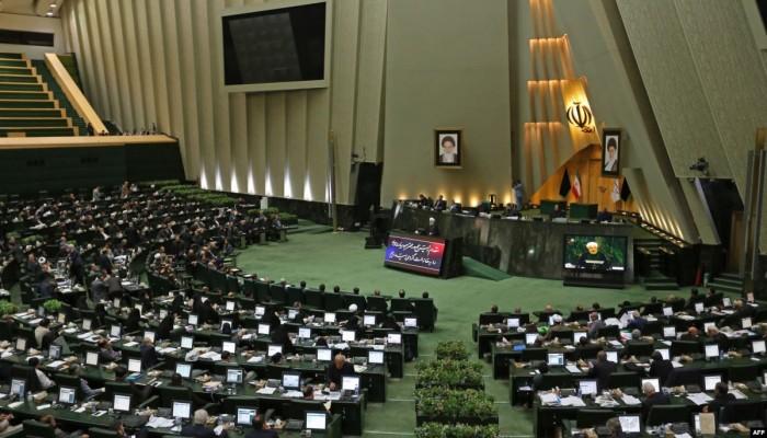 ستراتفور: الضغط الأمريكي يخدم المتشددين في إيران