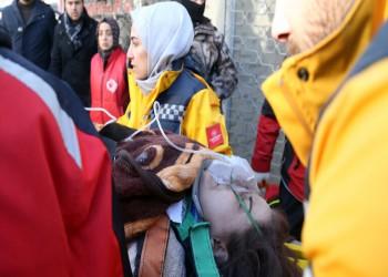 إنقاذ امرأة اتصلت بالإسعاف من تحت الأنقاض بعد 17 ساعة من زلزال تركيا