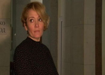 روسيا تضع كاميرا تجسس لناشطة سياسية في غرفة نومها
