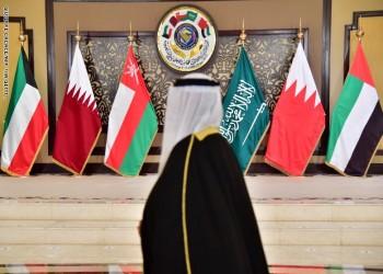 دبلوماسيان سعودي وإماراتي يؤكدان استمرار محاولات حلحلة الأزمة الخليجية