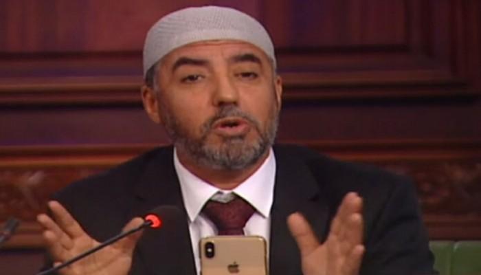 رئيس حزب تونسي يصف نوابه بالنعاج.. وناشطون ينتقدونه