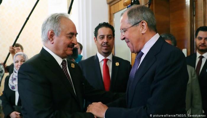 القيادة من الخلف.. استراتيجية روسيا في ليبيا