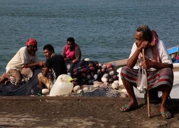 الحوثيون يفرجون عن 32 بحارا مصريا احتجزتهم باليمن