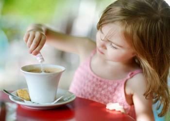 لهذا السبب.. احذروا من تناول الأطفال القهوة