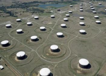السعودية والكويت تستأنفان إنتاج نفط المنطقة المقسومة الإثنين