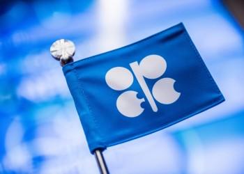 أوبك+ تدعو إلى مزيد من خفض إنتاج النفط بسبب تأثير كورونا