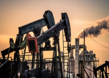 أسعار النفط تتراجع وسط ترقب لتخفيضات أوبك+