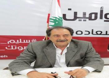 البرلماني اللبناني سليم سعادة يتعرض للضرب وتكسير سيارته