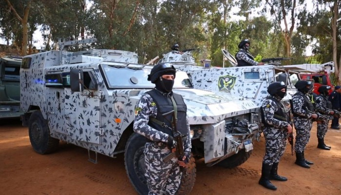 الداخلية المصرية: مقتل 17 مسلحا في شمال سيناء