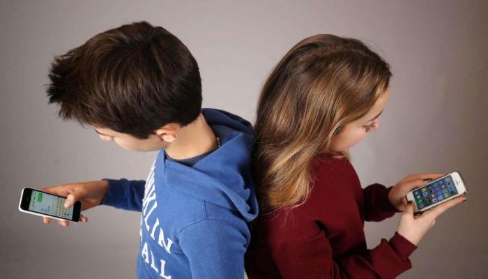 دراسة فرنسية: الأجهزة الإلكترونية تسبب اضطرابات لغوية للاطفال