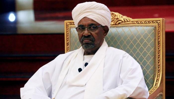 تسليم البشير.. فصل جديد في الصراع الداخلي على السلطة في السودان
