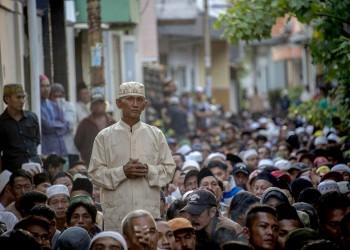 إسلام جماعي لـ300 شخص بإندونيسيا