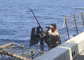 سلطنة عمان تحذر من كثرة السفن العسكرية في مضيق هرمز