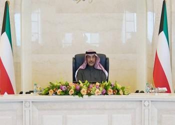الكويت تغلظ عقوبات مخالفات المرور والمخدرات وتحد من سفر الموظفين