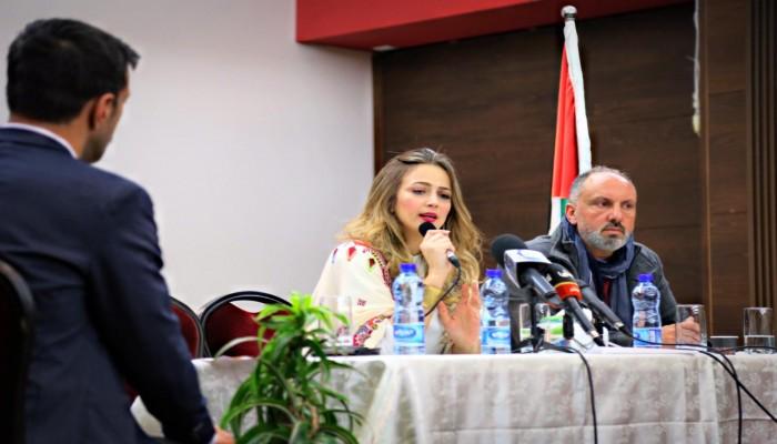 نور.. دلال أبو آمنة تطلق ألبومها الغنائي الصوفي