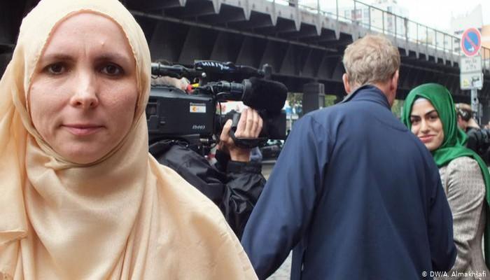 قيادي إسلامي بألمانيا: نشعر بالخذلان.. واستهداف المساجد أمر غير مسبوق