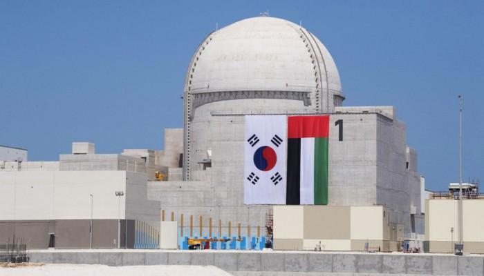 الإمارات تبدأ بتحميل أولى حزم الوقود النووي في محطة براكة