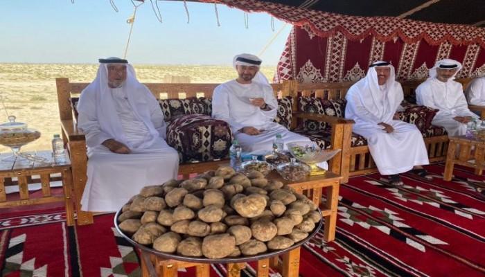 شاهد.. رئيس الإمارات في جولة هي الأولى منذ سنوات