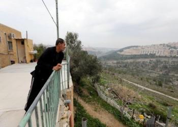 كأننا بسجن.. فلسطينيون يشكون حالهم مع الجدار الإسرائيلي