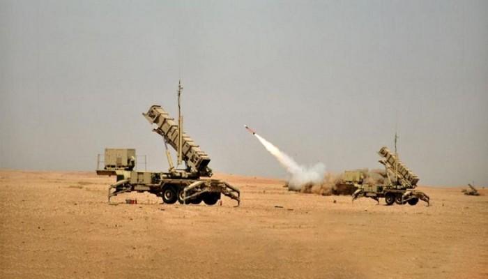 الحوثيون يعلنون استهداف أرامكو السعودية بـ12 صاروخا