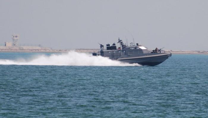التحالف العربي يعترض زورقا مفخخا للحوثيين جنوبي البحر الأحمر