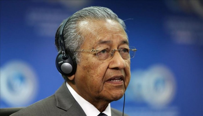 أزمة بعد استقالة رئيس وزراء ماليزيا مهاتير محمد