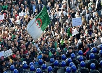 حراك الجزائر يبدأ سنته الثانية مصرّا على التغيير