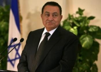 حسني مبارك وعسكر مصر: غاب الرجل وبقي النموذج