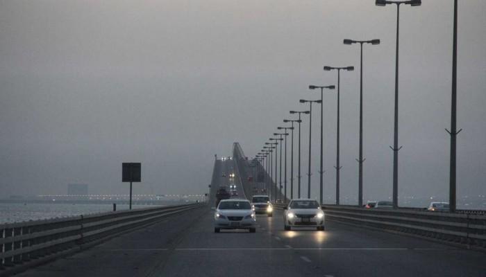 السعودية تنفي إغلاق جسر الملك فهد مع البحرين بسبب كورونا
