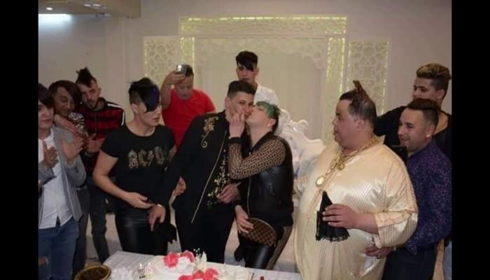 الجزائر.. الحبس لشابين من الشواذ أشهرا زواجهما عبر الإنترنت