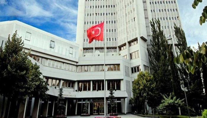 الداخلية التركية تعزل رئيس بلدية معارض ومعاونه بتهم فساد