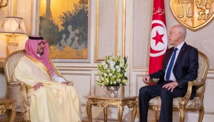 وزير داخلية السعودية يلتقي رئيس تونس لبحث العلاقات الثنائية