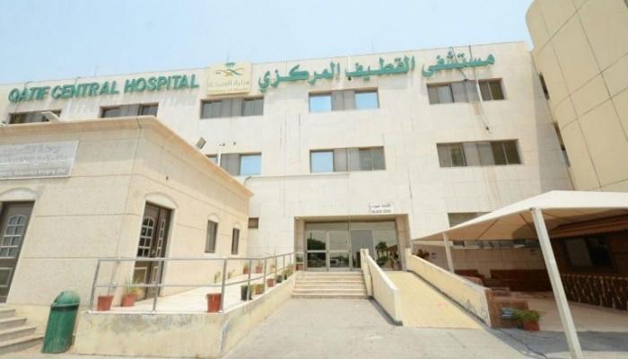 فريق طبي يفحص أسرة وجيران مصاب كورونا بالسعودية