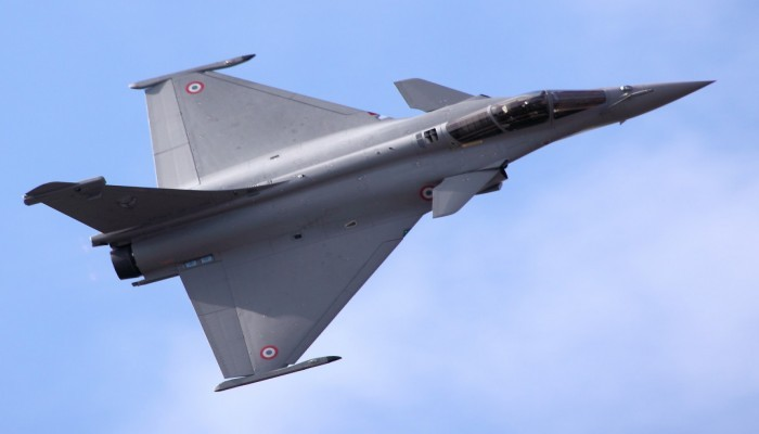 لاتريبون: فرنسا خارج حسابات السعودية في صفقات السلاح
