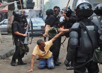 تقرير حكومي يعترف بالتعذيب وتقييد الحريات العامة في مصر