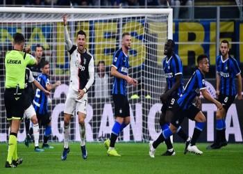 وزير الرياضة الإيطالي يدعو لإيقاف منافسات الدوري بسبب كورونا