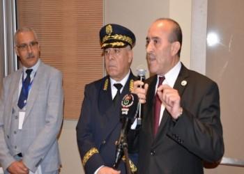 فيديو.. وزير داخلية الجزائر يثير جدلا واسعا باتهامات للحراك