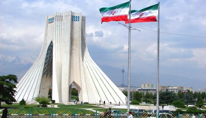 إيران ترفض اتهامات ترامب بتدبير هجوم معسكر التاجي في العراق