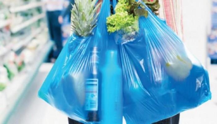 سلطنة عمان تحظر استخدام أكياس البلاستيك