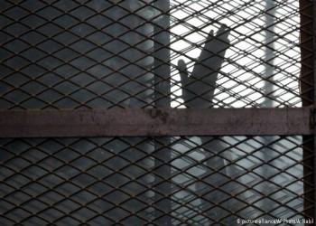 أزمة كورونا.. سجون مصر برميل بارود قابل للانفجار