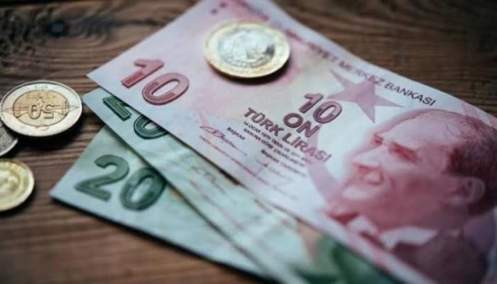 الليرة التركية ترتفع بعد تعزيز البنك المركزي التمويل