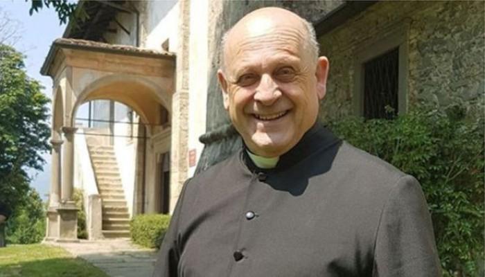 وفاة راهب إيطالي تنازل عن جهاز التنفس لشاب مصاب بكورونا