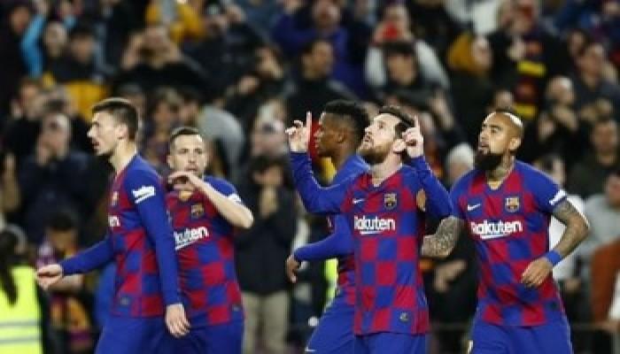 برشلونة يخفض رواتب لاعبيه بسبب كورونا