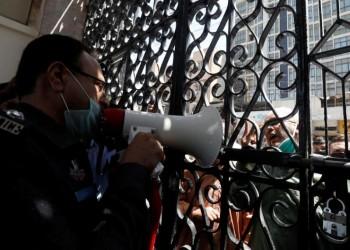 باكستان تواجه صعوبات في تقييد صلاة الجماعة لمواجهة كورونا