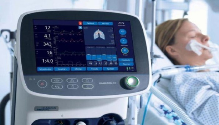 ترامب: سنصنع 100 ألف جهاز تنفس خلال 100 يوم
