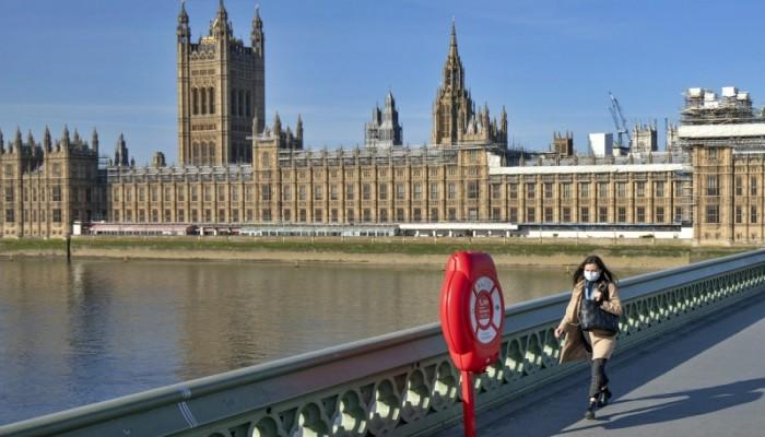 مسؤول بريطاني: النجاح أن نسجل أقل من 20 ألف وفاة بكورونا
