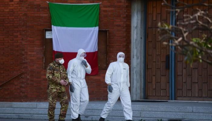 إيطاليا تعتزم تمديد الإغلاق مع اقتراب الإصابات من عتبة 100 ألف حالة