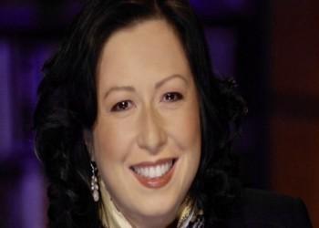 الأولى من الإعلاميين.. كورونا يغيب مراسلة سي بي إس الأمريكية
